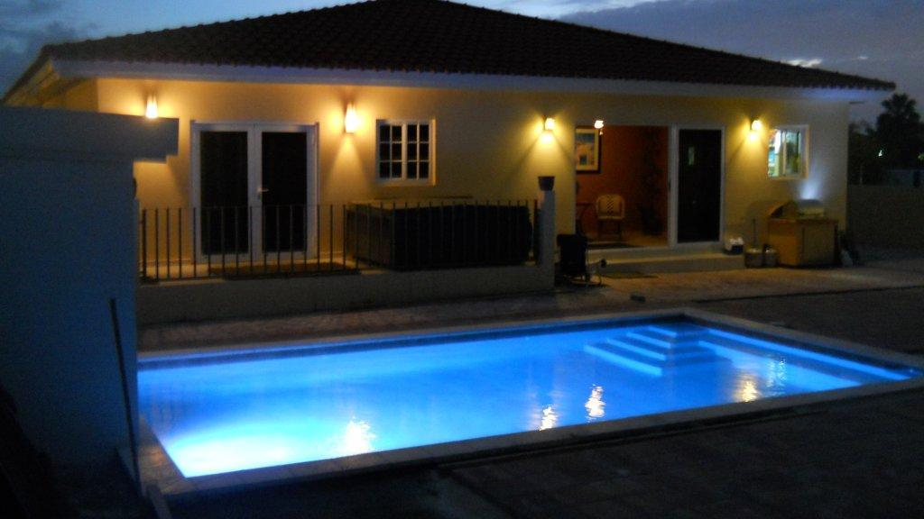 Beautiful Opal 115 villa with swimming pool and spacious backyard
