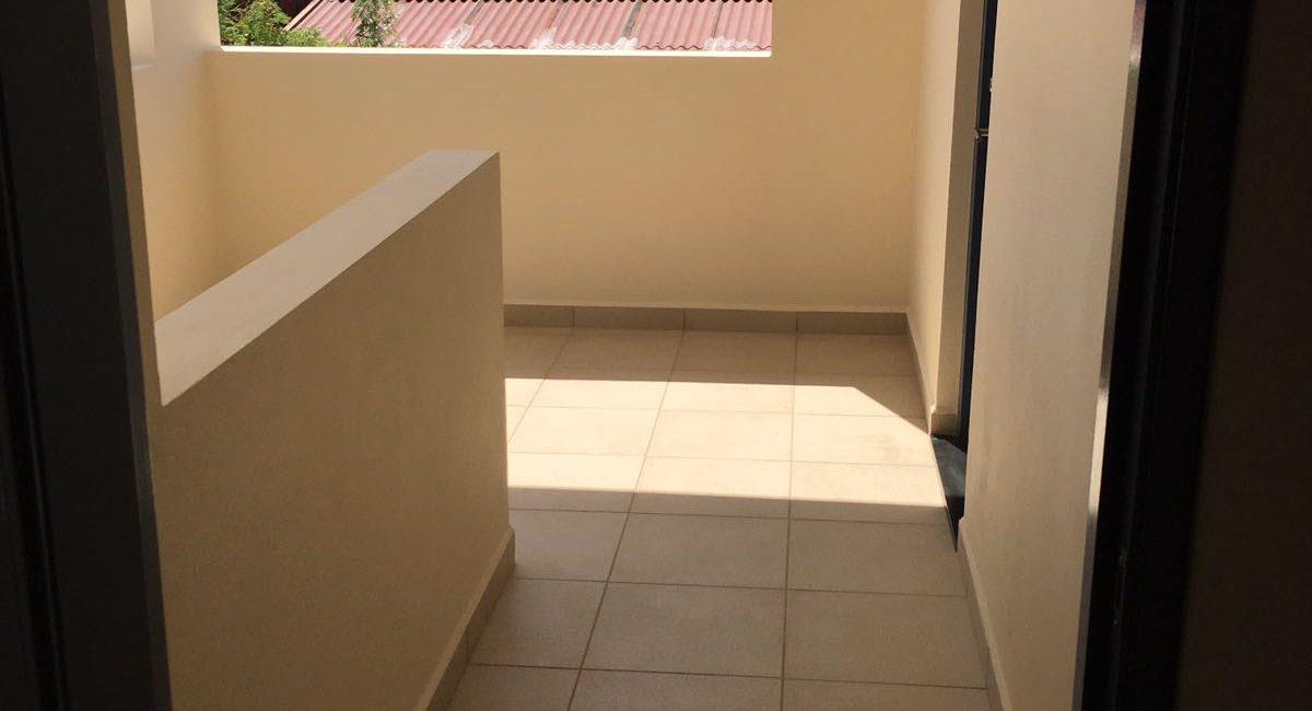 foyer-view-upstairs