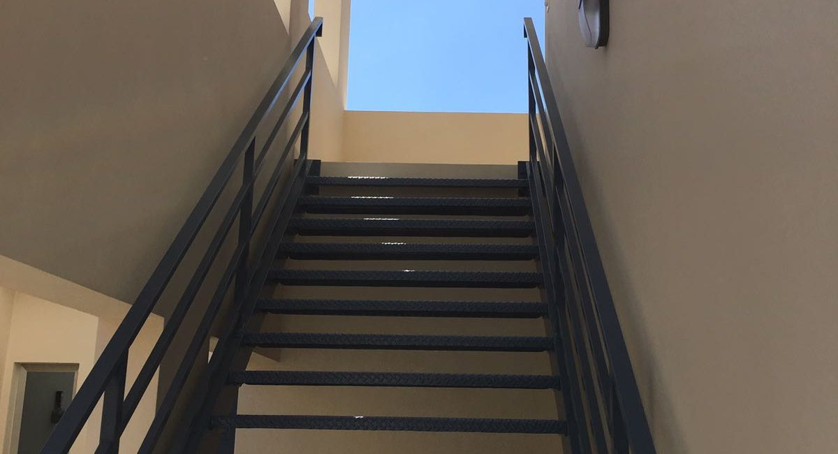 stairs-to-second-level-e24