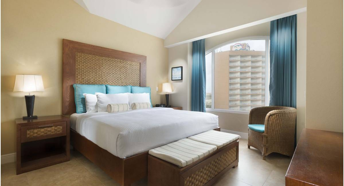 Phoenix-3BDRM-Penthouse-king-rooms