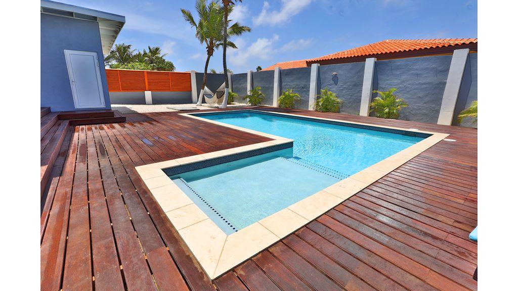 LARGE MODERN BEACH VILLA aruba haven 34