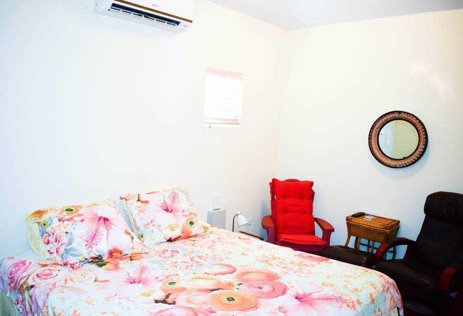 Spacious apartment near Palm Beach with POOL! 20