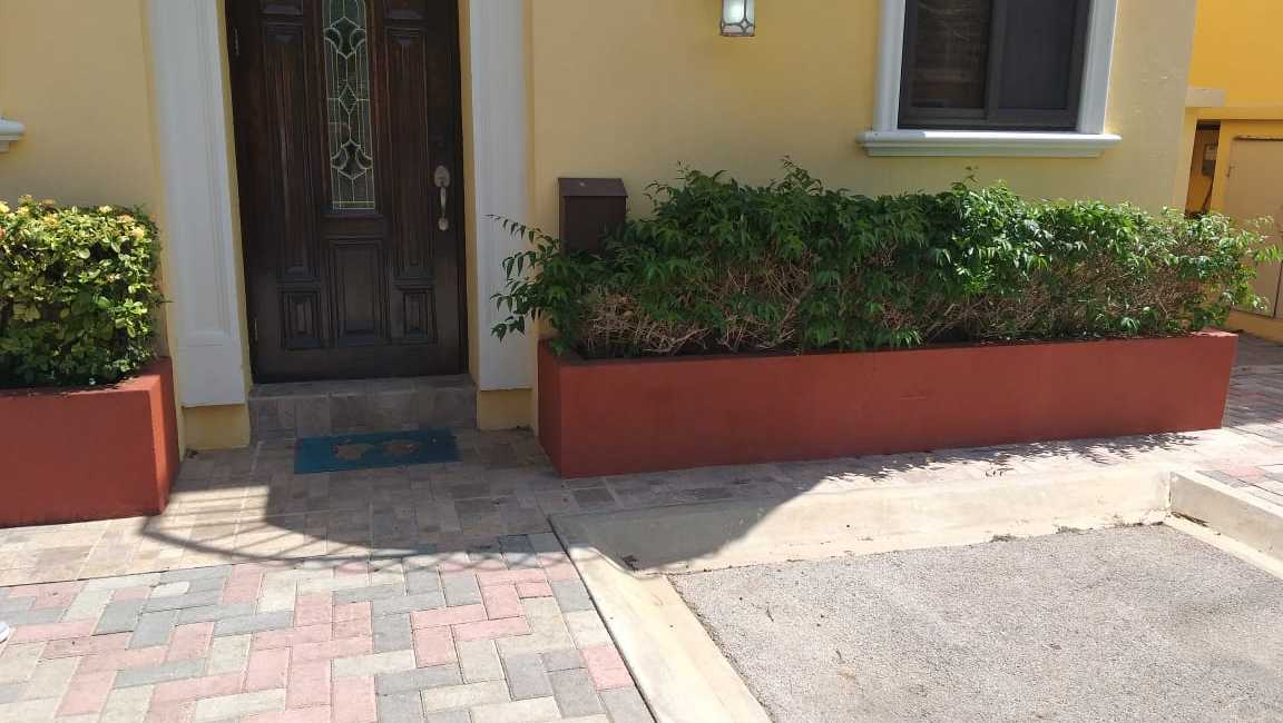 2 bedrooms 3 bathrooms townhouse Gold coast