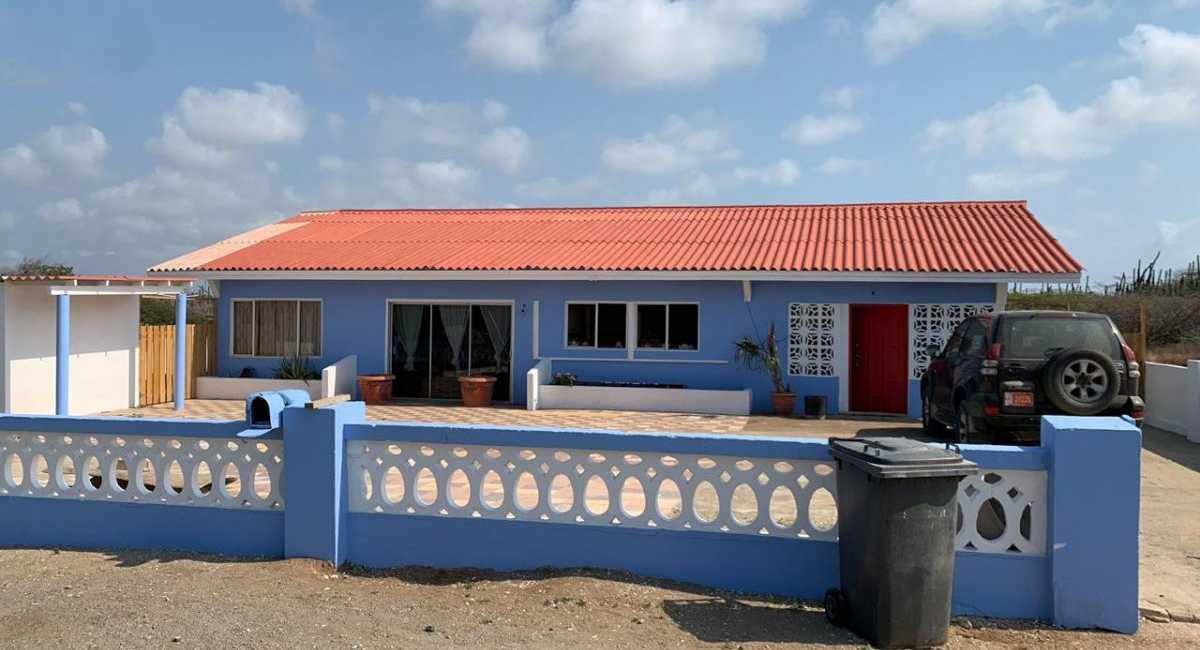 4 bedrooms house in Seroe Janchi Noord
