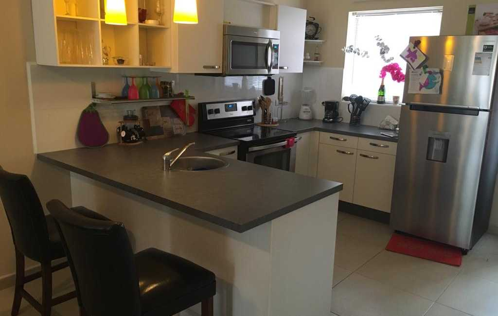 2beds 2baths in gold coast 11