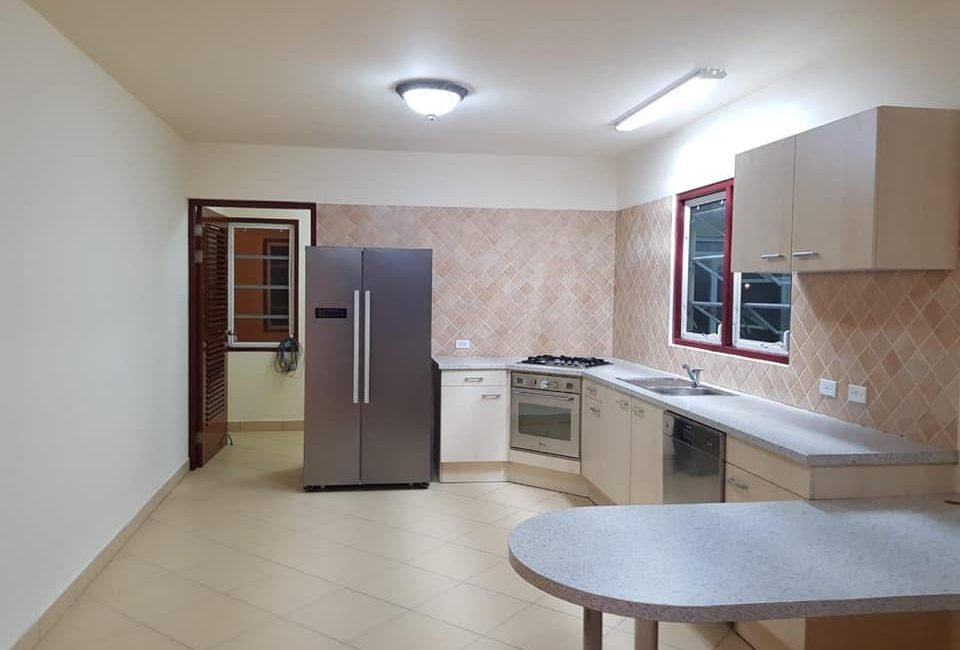 Beautiful Villa For Rent in Paradera 5