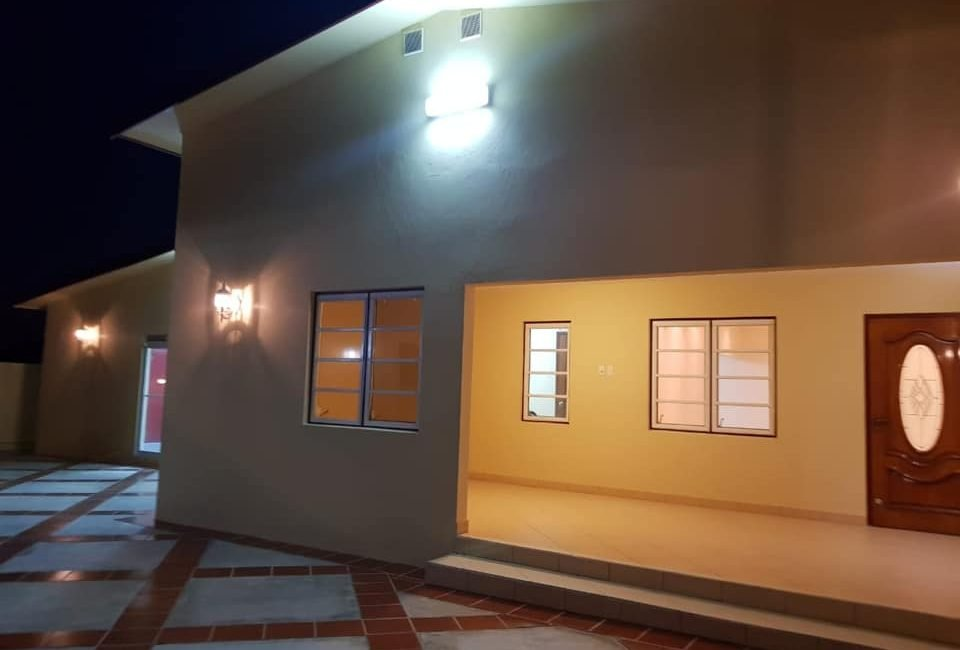 Beautiful Villa For Rent in Paradera 8