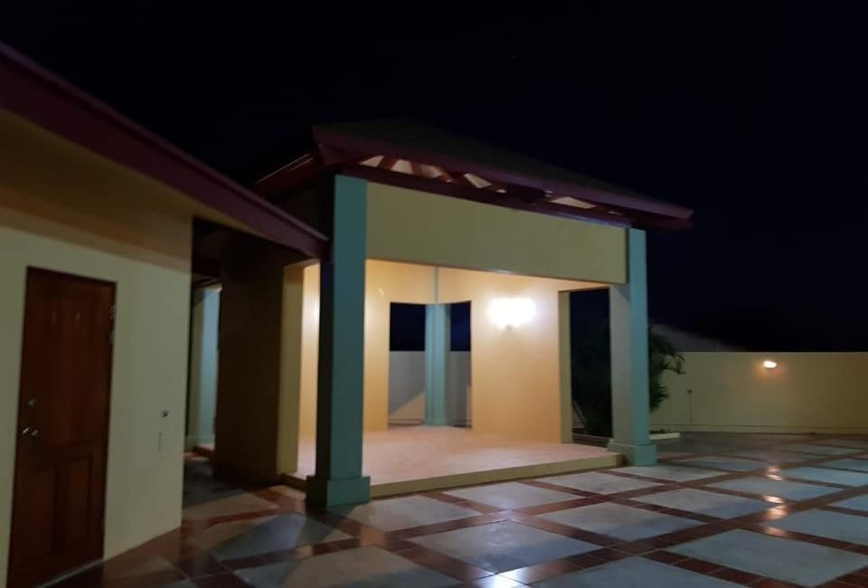 Beautiful Villa For Rent in Paradera 9