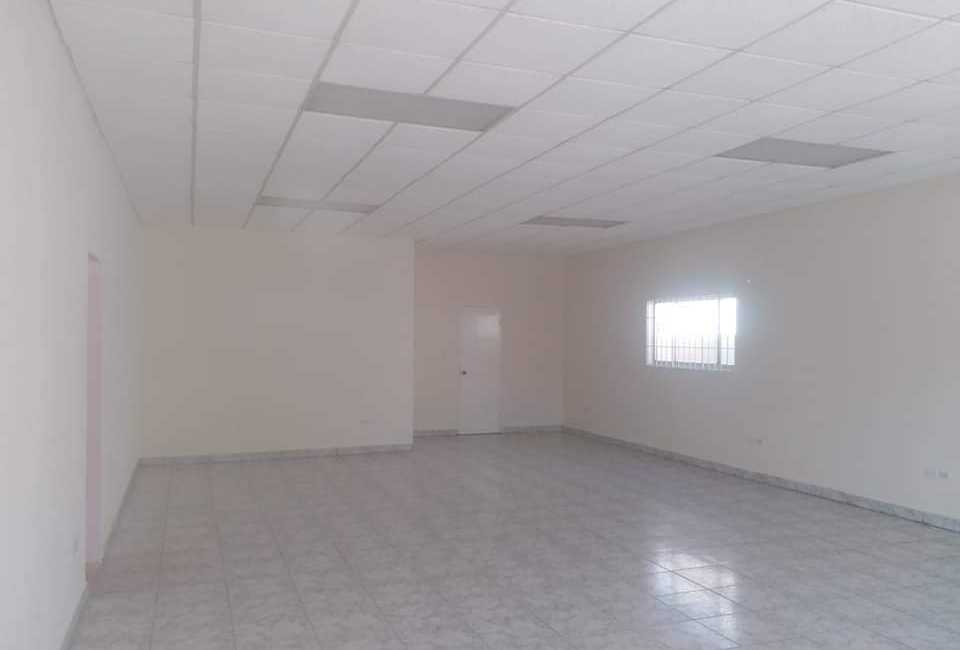 COMMERCIAL SPACE AVAILABLE FOR RENT In Oranjestad 1