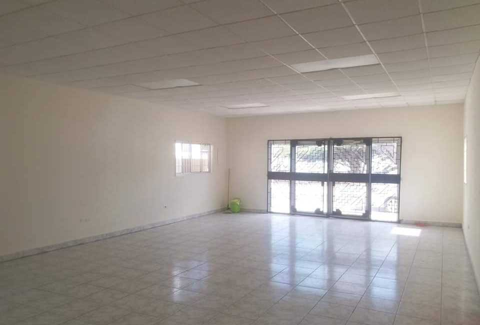 COMMERCIAL SPACE AVAILABLE FOR RENT In Oranjestad 3