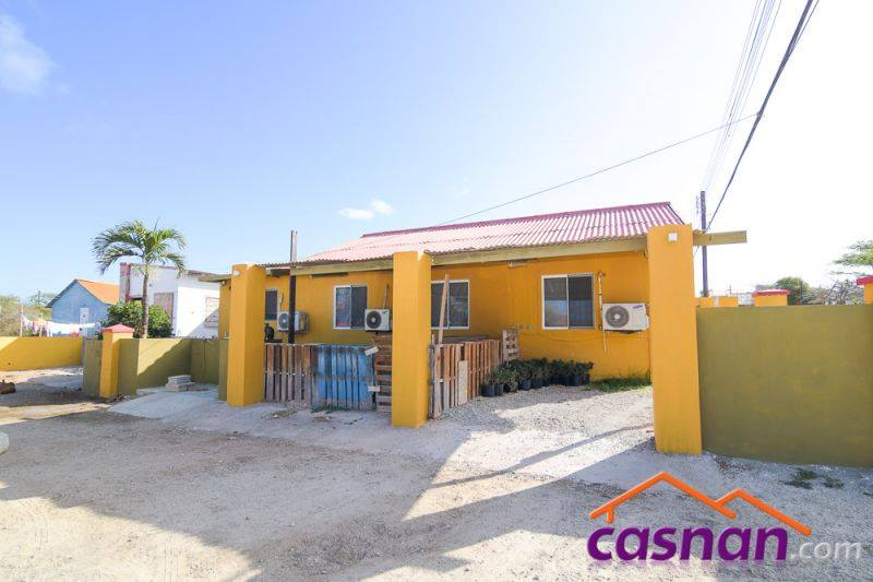 House for Sale In The Located in the Neighborhood of Diamantbergweg - San Nicolaas 1