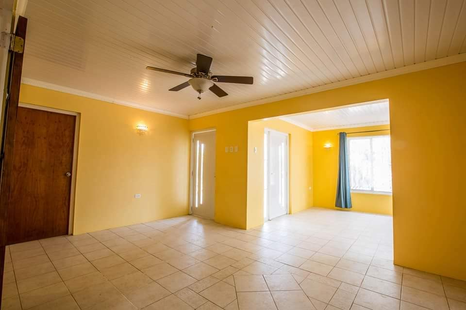 Spacious Home For Sale In Paradera 18