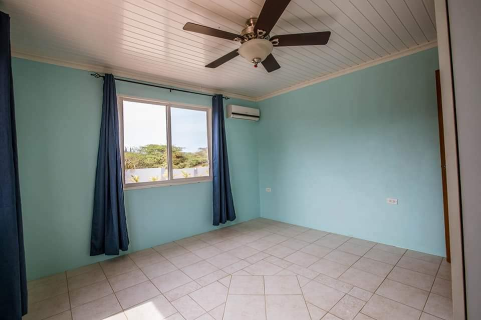 Spacious Home For Sale In Paradera 22