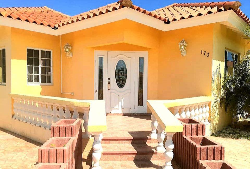 Pavia Country Club, Aruba 2