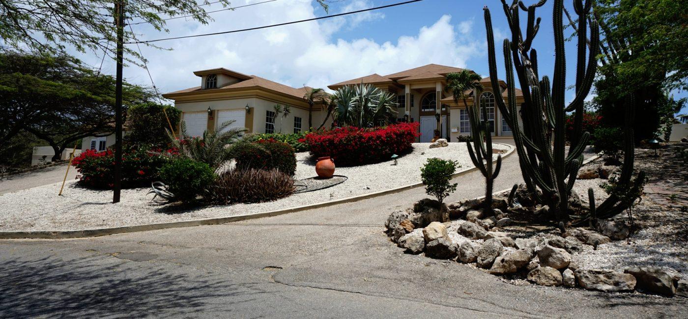 Boegoeroei 33C front of property-Aruba-1800